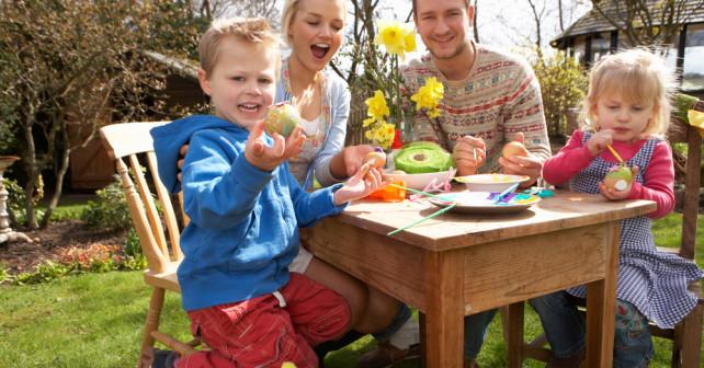 Mit der Bahn an Ostern die Familie besuchen