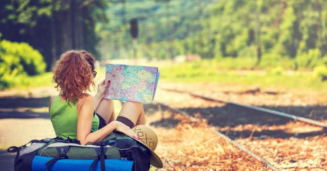 Frau Mit Deutschland-Pass auf reisen