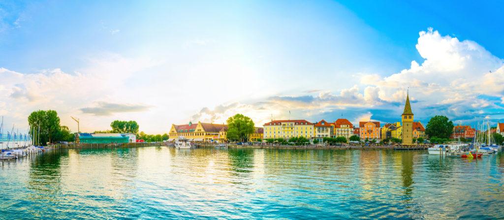 Sonnenuntergang am Hafen von Lindau am Bodensee